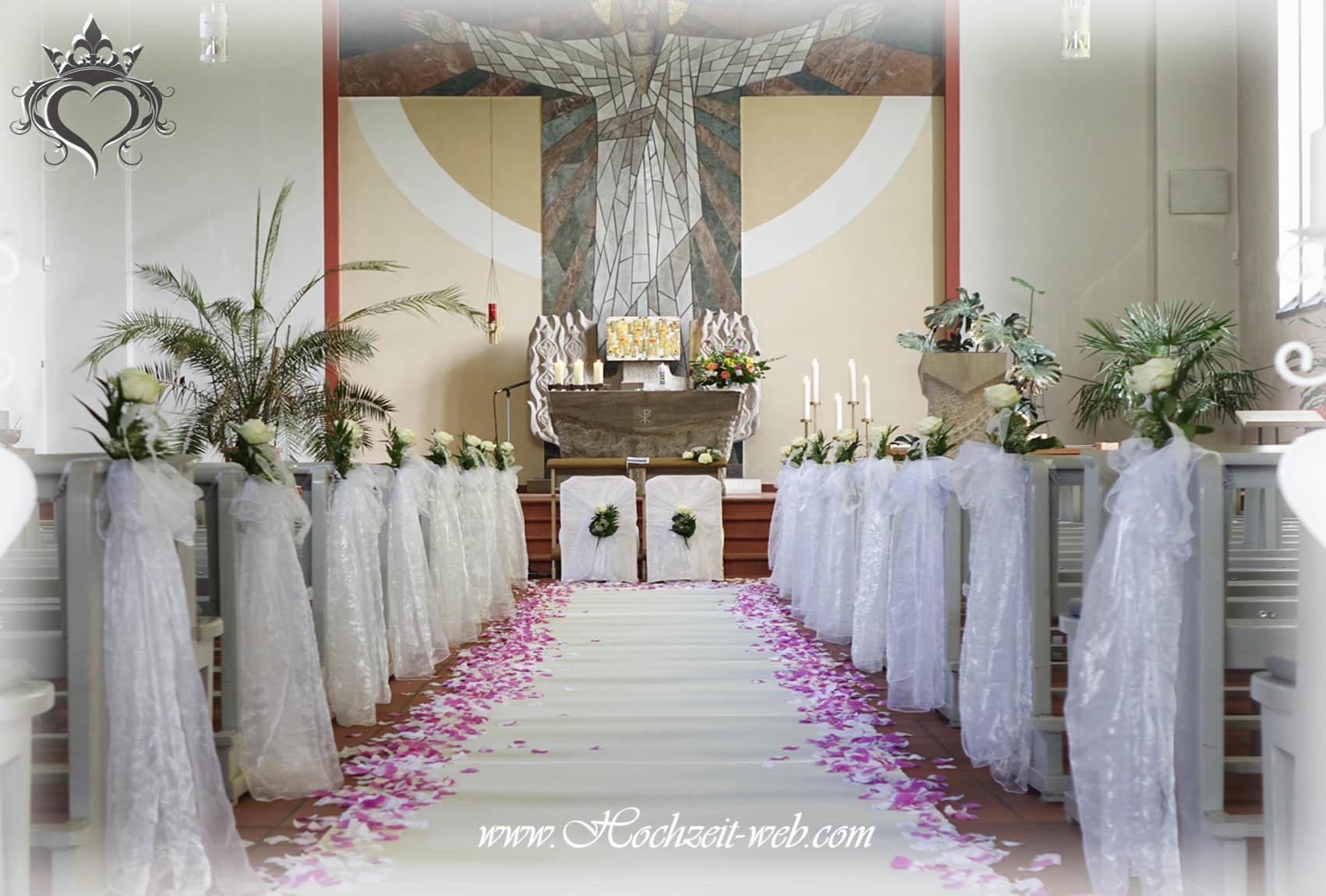 Kirchendekoration Und Dekoration Fur Trauung Im Freien